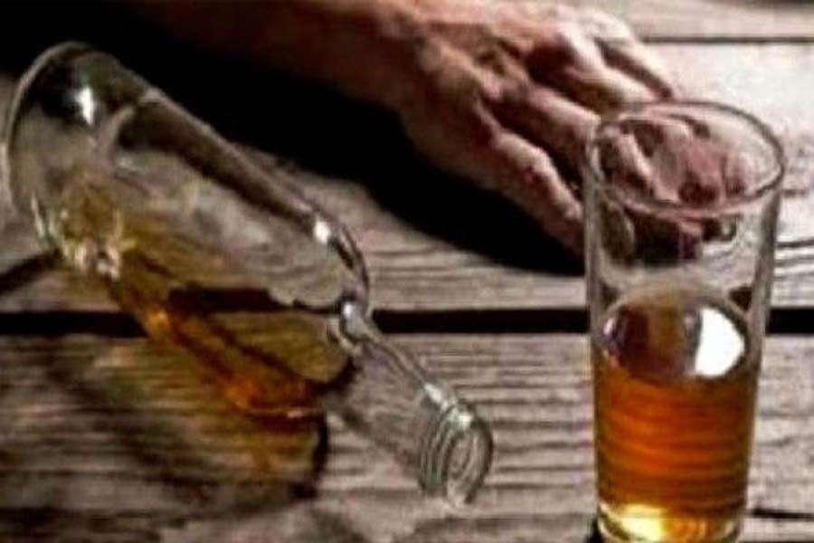 जहरीली शराब पीने से 2 की मौत, 8 लोगों की आंखों की रोशनी पर असर
