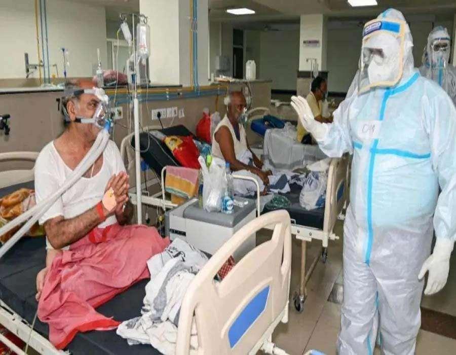 Corona virus in delhi: काबू में आया कोरोना! 24 घंटे में 400 से कम केस, 12 की मौत