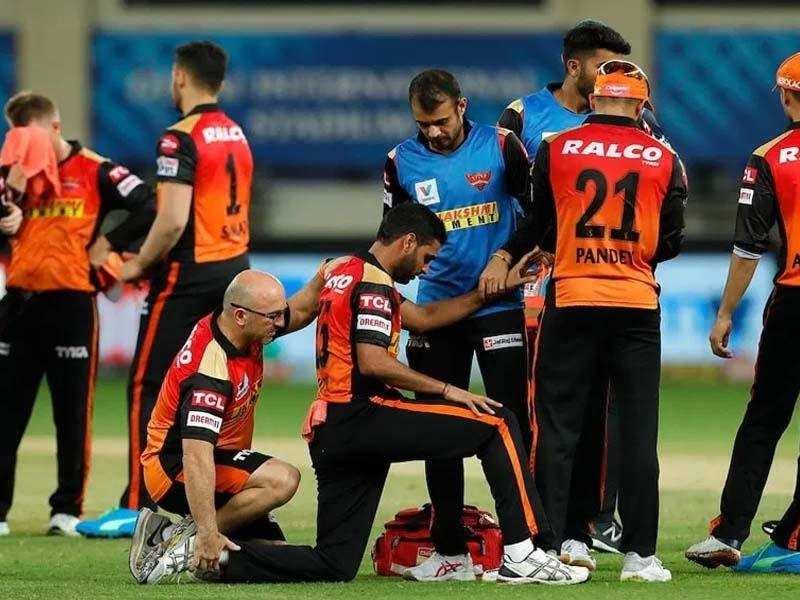 IPL 2020/ हैदराबाद की प्लेऑफ को लेकर उम्मीदें बरक़रार, दिल्ली कैपिटल्स को 88 रनों से हराया, जानिए कौन रहा मैच का हीरो