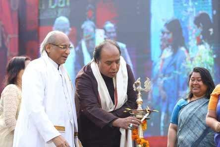 *दिल्ली दरबार* महोत्सव में शास्त्रीय संगीतकारों ने जीता दर्शकों का दिल