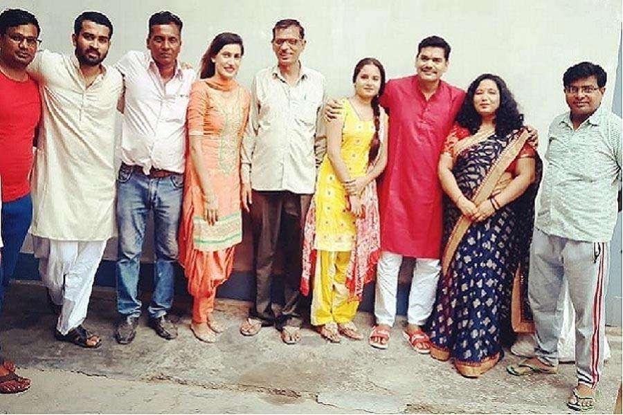 'घर चलो ना पापा' की शूटिंग पूरी, सावन वर्मा कर रहे हैं फिल्म का निर्देशक
