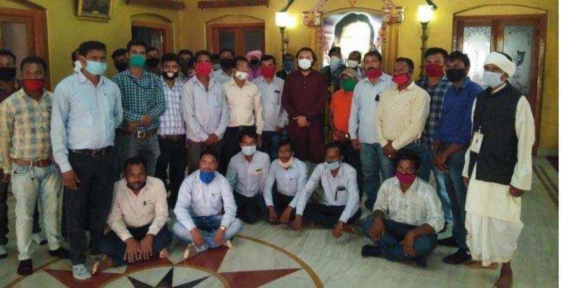 निजीकरण के विरोध में किसान कर्मचारी संघ पूर्व युवा आयोग के अध्यक्ष से मिले