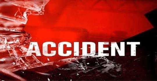 घने कोहरे के कारण भीषण दुर्घटना, तीन ट्रकों में टक्कर में एक चालक की मौत दूसरे की हालत गंभीर