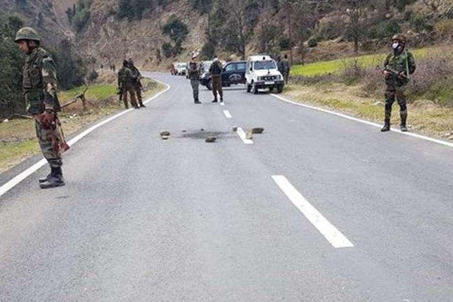 किश्तवाड में पुलिस पार्टी पर आतंकी हमला, सब इंस्पेक्टर सहित दो घायल