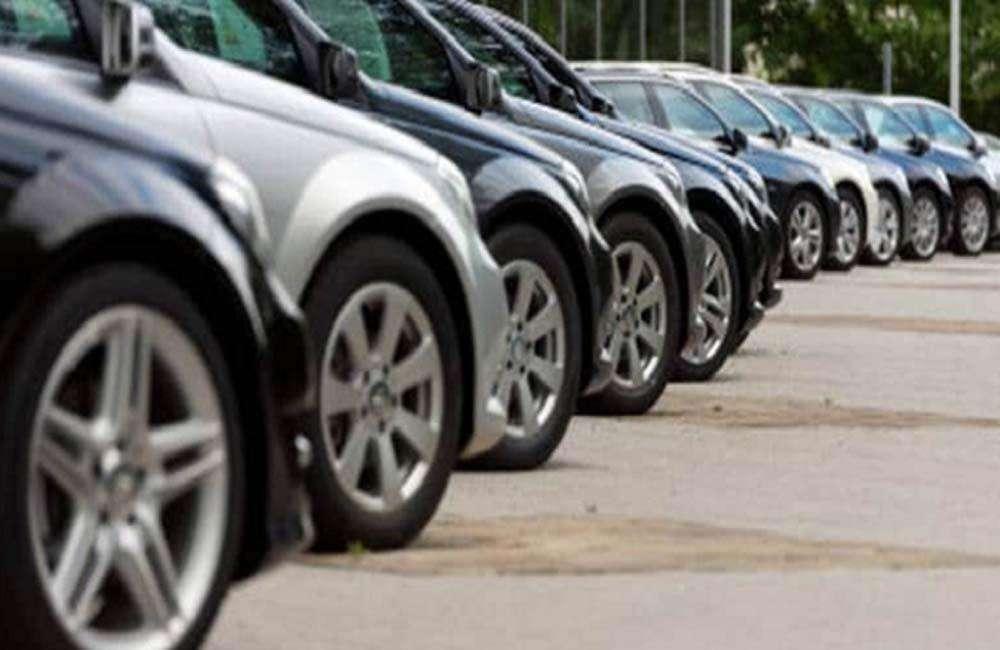 जून में कारों की बिक्री 49.59 फीसदी लुढ़कर रही 1,05,617 यूनिट